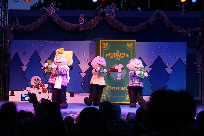A PEANUTS Guide to Christmas Knott's Merry Farm