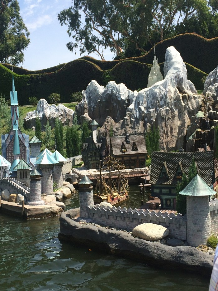 Storybook Land Canals - Fun fact and tips