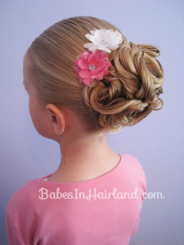 Easy Looped Updo from BabesInHairland.com