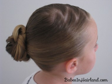 Loopy Bun Hairstyle (12)