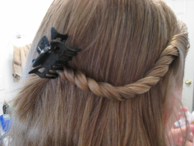 A Very Simple Twist Hairstyle - Babes In Hairland