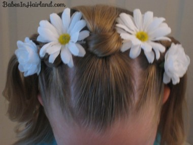 Knotty Flower Girl Hairstyle (12)