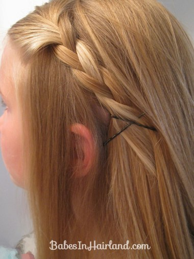 2 Simple Ways to Pull Bangs Back (11)