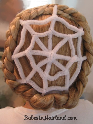 Spiderweb Hairstyle | Halloween Hairstyles (4)