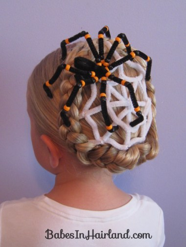 Spiderweb Hairstyle | Halloween Hairstyles (6)