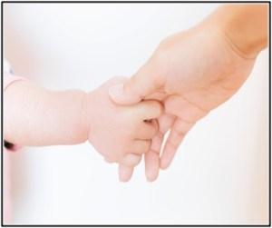 赤ちゃんの下痢が続くようになって病院へママと薬を貰いに行く所