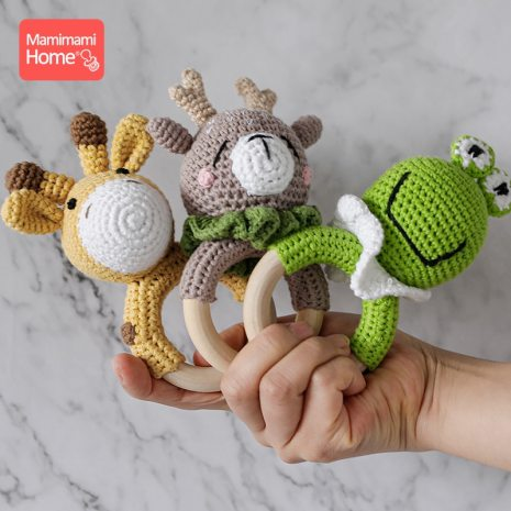 1Pc Baby Wooden Teether Crochet Giraffe Rattle Toy BPA Free Wood Rodent Rattle Baby Mobile Gym