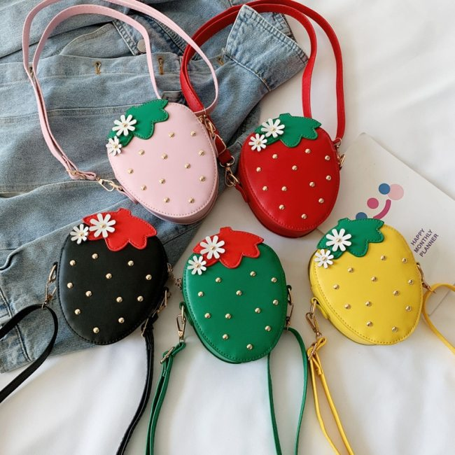 Fashion PU Leather Girls Coin Purse Lovely Children Strawberry Rivet Crossbody Bags Cute Baby Accessories Mini