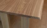 家具蔵で注文した北海道産タモ材のダイニングテーブル
