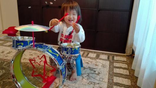 トイザらス ブルーイン SING&PLAY はじめてのドラムセット 2歳3ヶ月