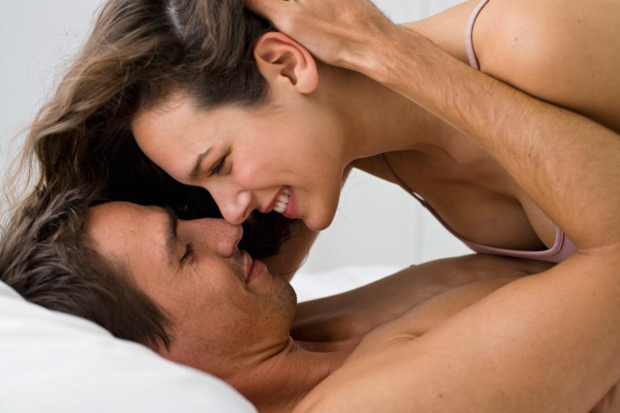 Нежно целуются во время секса эро фото, фото анального секса грудастых телок