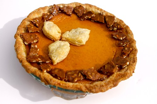 pumpkin pie with spicy pepita brittle