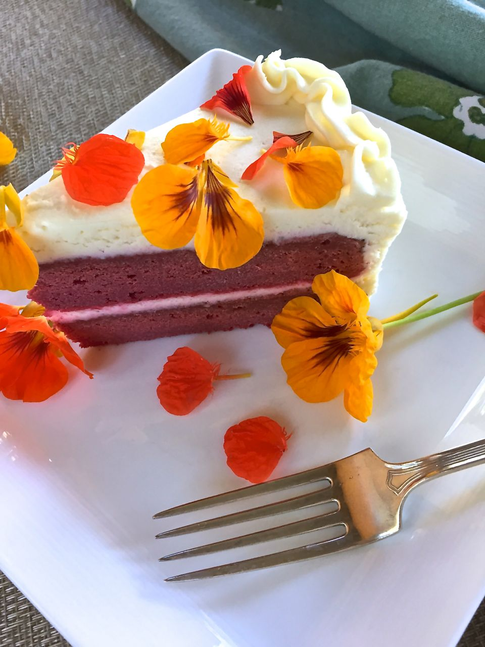 How To Make Red Velvet Cake Without Food Coloring