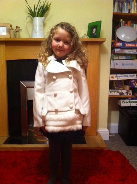 ValMax, Designer girls cot, Val & Max, white ValMax coat