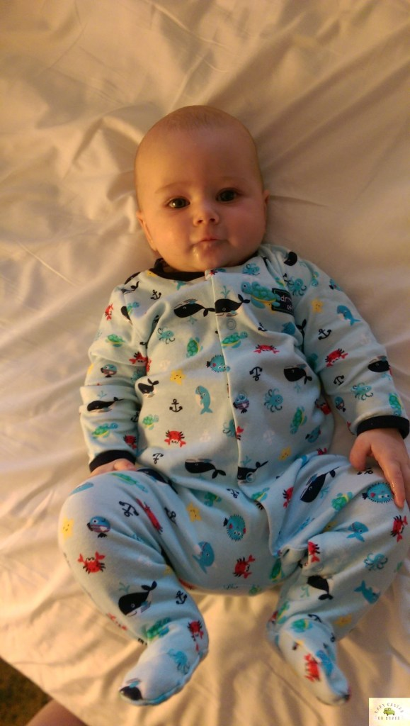 baby-on-vacation-sleep-managing-time-change
