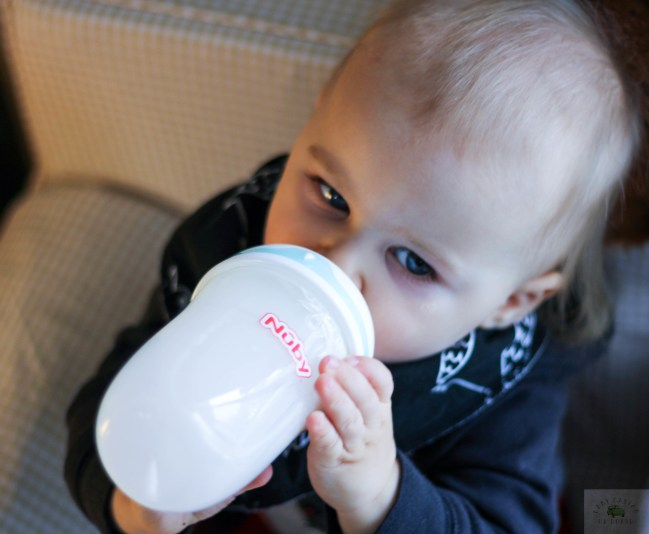 nuby-comfort-360-bottle-closeup-babycastanonboard.com - Nuby Bottles Review: Nuby Comfort 360 Plus+ Bottles by popular DC mommy blogger Baby Castan on Board