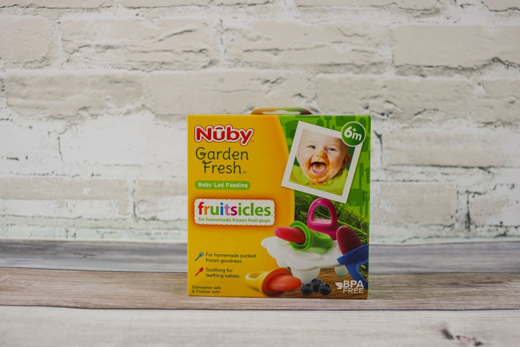 Here are 3 recipes for healthy (but still delicious) fruitsicles which are perfect for summer and great for toddlers (and parents too)!
