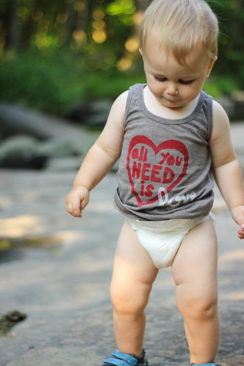 This is a review about Dewor bamboo diapers for babies. They are eco-friendly and a great alternative to typical disposable diapers.  - Dewor Bamboo Diapers review featured by popular DC mommy blogger, Baby Castan On Board