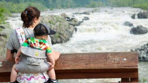 All About Babywearing Including the Best Carriers