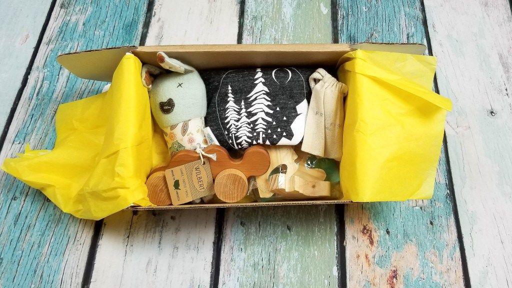 Mom 'n Tot Box: Mom and Baby Subscription Box by popular DC mommy blogger Baby Castan on Board