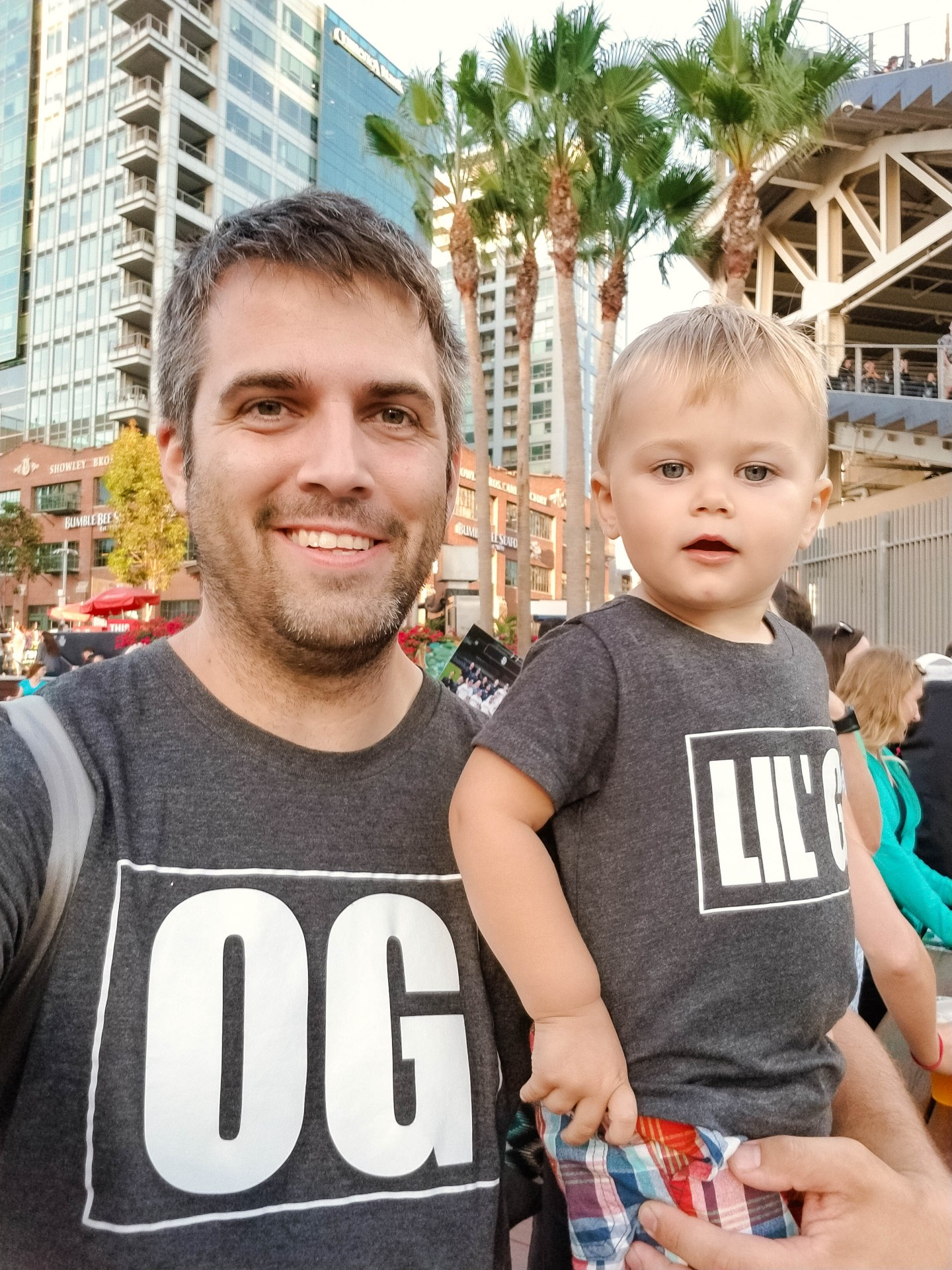 Take a toddler to Petco Park_Dad and toddler