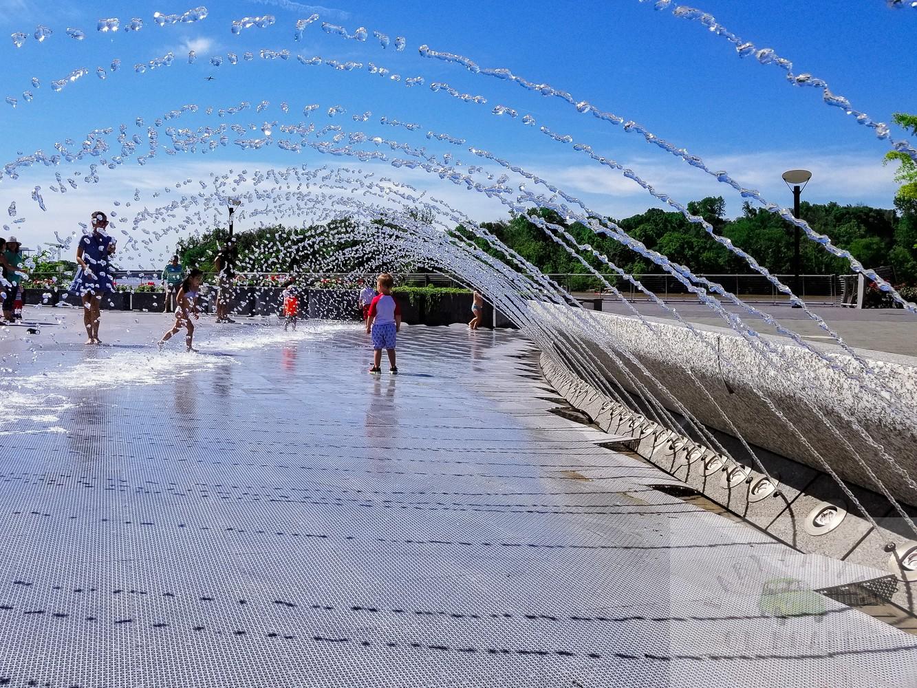 best splash pads in DC_Georgetown Fountain_web