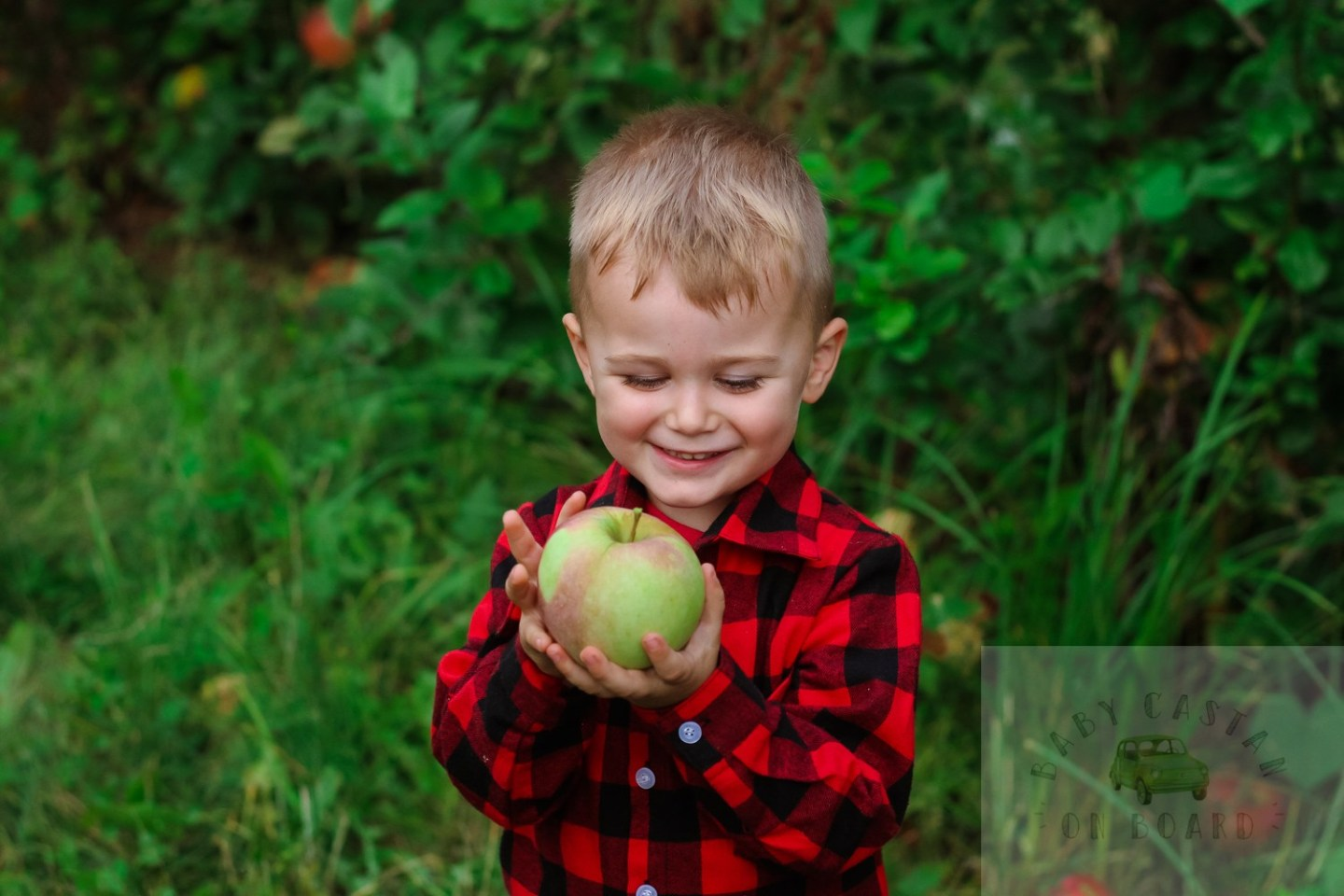 Fall Toddler Fun Apple Picking & the Best Apple Recipes