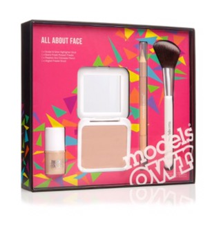 https://www.modelsownit.com/product/8250/whats-new/face/contouring-highlighting-/concealer/powder/gifts/all-about-face-gift-set#38885