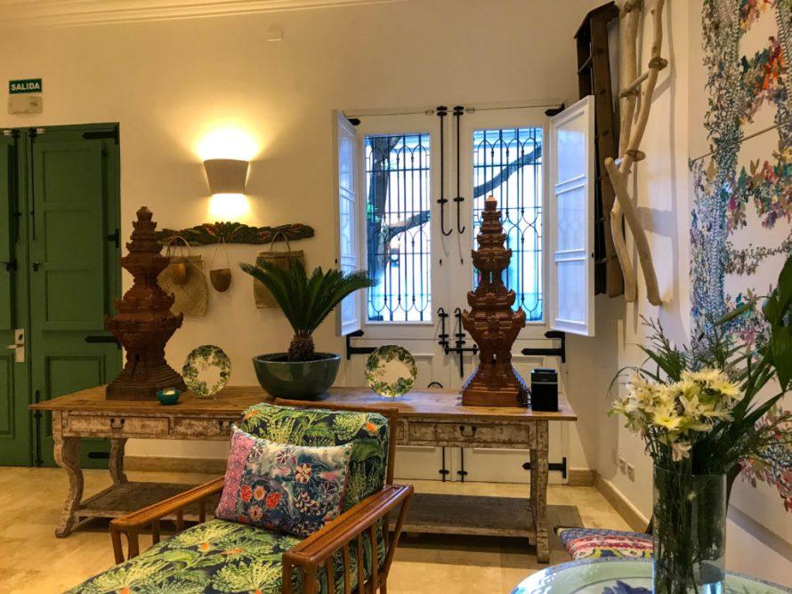 vibrant lounge area at Casa Antillana