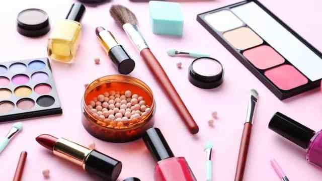 Meilleurs produits de maquillage professionnels pas cher : Le make up qui correspond à votre peau