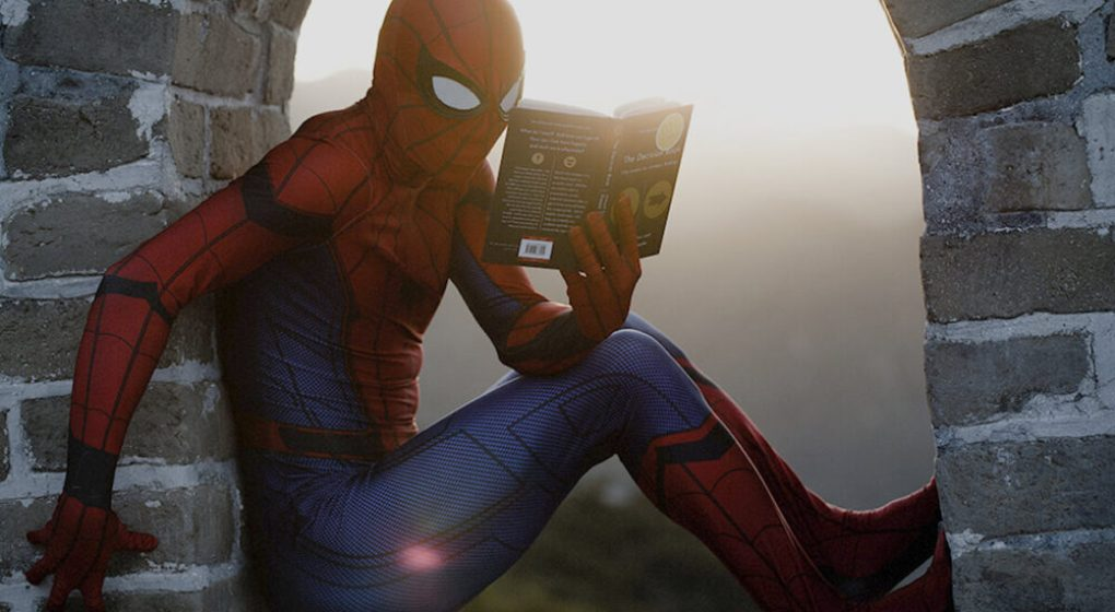 spiderman reading fanfiction