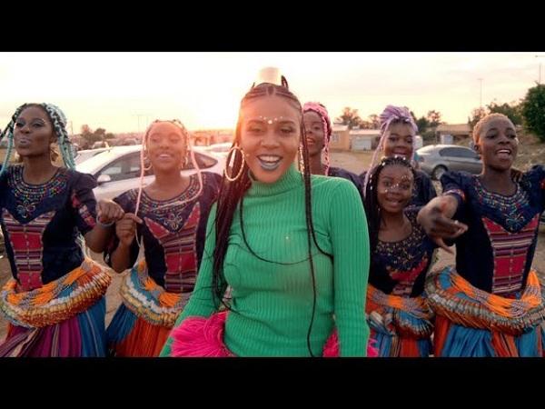 VIDEO: Sho Madjozi ft PS DJZ – Dumi Hi Phone