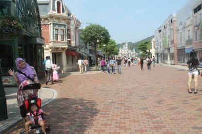 Area Main Street USA