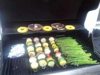 pineapple rings, portobelo mushrooms, kabobs and asparagus