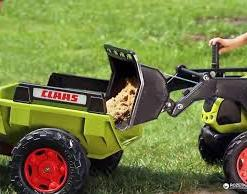 Traktor na pedale sa prikolicom i kasikom licencirani Claas Arion