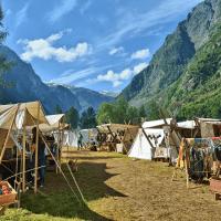 Viaje a los Fiordos Noruegos Poblado Vikingo de Gudvangen
