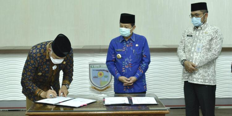 Silaturahmi Dengan Wali Kota Jambi, Gubernur Fachrori Bawa Kado Pembangunan