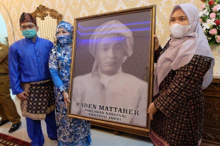 Bupati Masnah Albusyro Sambut Kedatangan Cucu Raden Mattaher