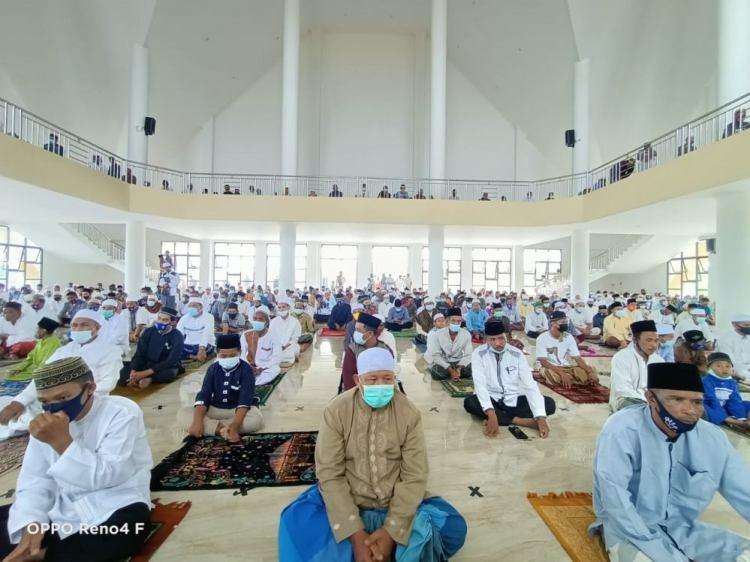 Pemkab Tanjab Barat Sholat Jumat Perdana Di Masjid, Tetap Terapkan Protkes