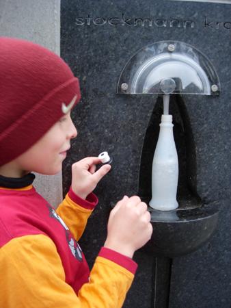 Stockmann krana og flaske/ water tap and bottle