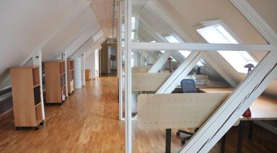 TeamConsulting ~ glass og avskjerming mellom kontorene / glass and shielding between offices