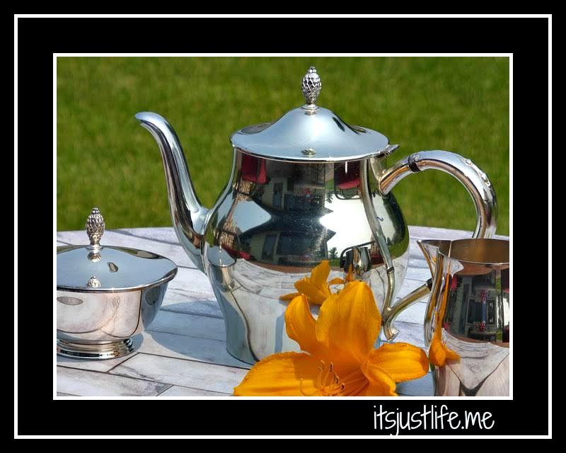 silver teapot3