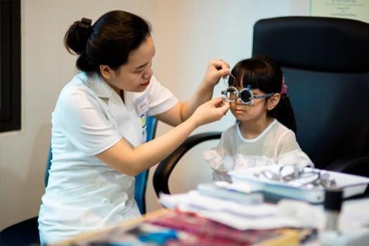 Cách điều trị bệnh cận thị hiệu quả