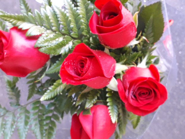 Ramo de 5 rosas 3
