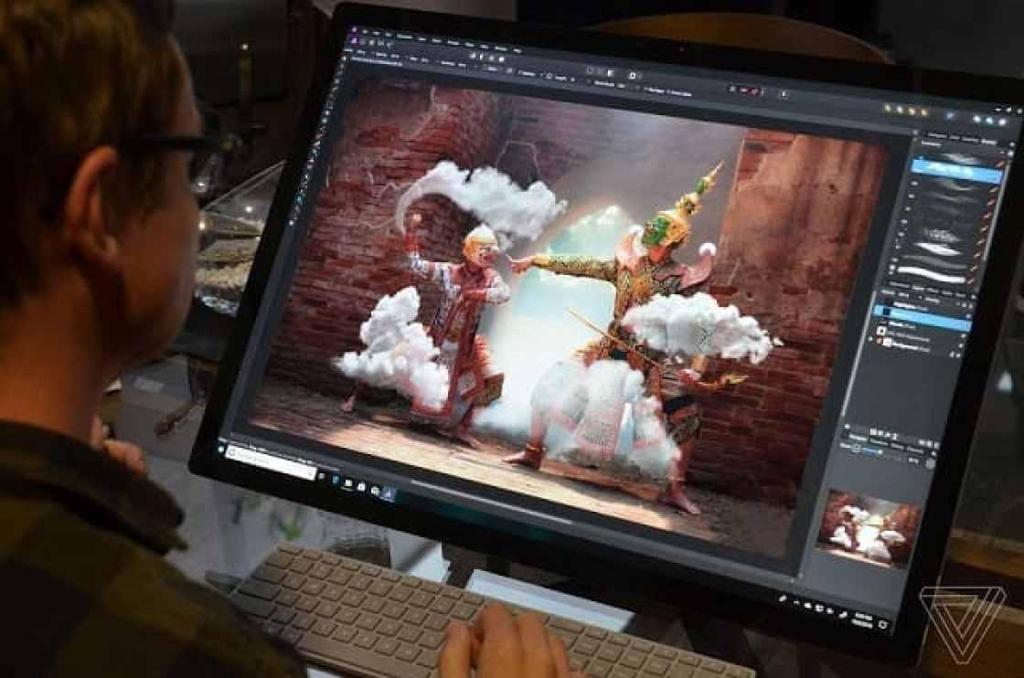 - twarren surfacestudio21 2 - Microsoft เปิดตัว Suface Pro 6, Surface Laptop 2, Surface Studio 2 และ Surface Headphone