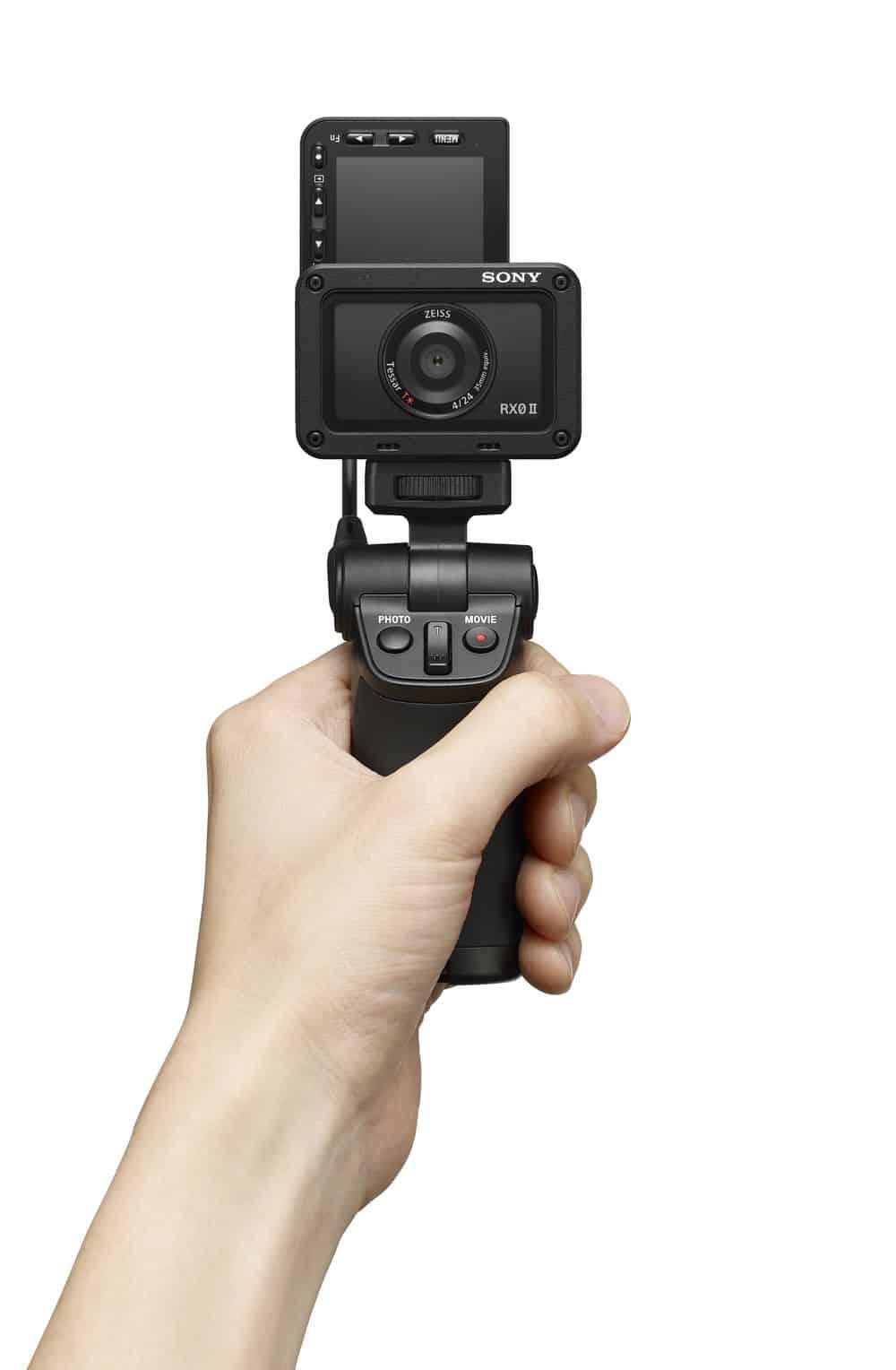 - Sony เปิดตัวกล้องแอ็คชั่น RX0 II พลิกจอได้