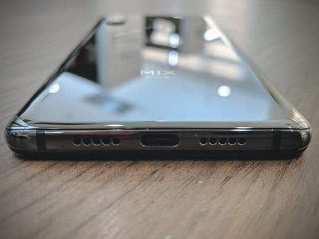 - IMG 20190129 170601 - รีวิว Xiaomi Mi MIX 3: สเปกโหดสะใจ จอไร้ขอบไร้ติ่งเต็มตา วัสดุเซรามิกหรูหรา ในราคา 18,999 บาท