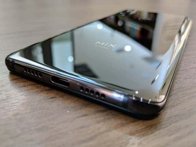 - IMG 20190129 170817 - รีวิว Xiaomi Mi MIX 3: สเปกโหดสะใจ จอไร้ขอบไร้ติ่งเต็มตา วัสดุเซรามิกหรูหรา ในราคา 18,999 บาท