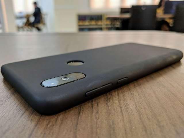 - IMG 20190129 174237 - รีวิว Xiaomi Mi MIX 3: สเปกโหดสะใจ จอไร้ขอบไร้ติ่งเต็มตา วัสดุเซรามิกหรูหรา ในราคา 18,999 บาท