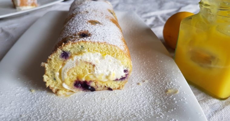 Blueberry & Lemon Swiss Roll